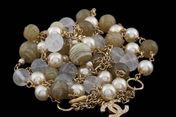 Chanel  Sautoir en perles