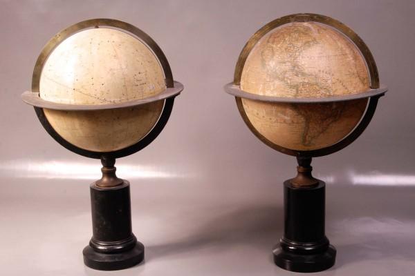 Paire de Globes XIXème siècle
