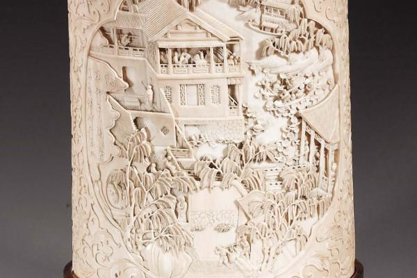 Pot à pinceaux ivoire sculpté Chine Dynastie Qing