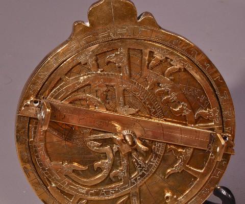 Astolabe en bronze doré