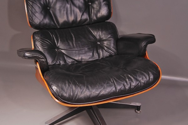 charles eames fauteuil lounge cuir noir williams lacombe. Black Bedroom Furniture Sets. Home Design Ideas