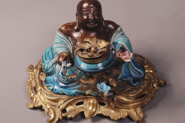 Encrier en porcelaine Monture en bronze doré Louis XV   Epoque XIX° siècle