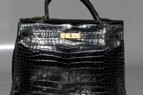 HERMES PARIS  Sac KELLY en crocodile noir 33 cm