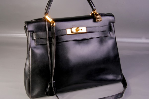 HERMES-PARIS sac Kelly en cuir box noir   32 cm