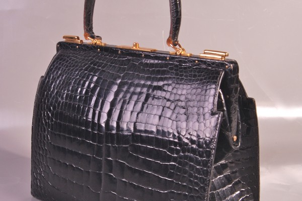 HERMES-PARIS  sac malette en crocodile noir
