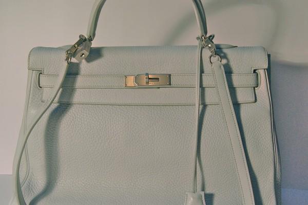HERMES  sac Kelly cuir grainé bleu clair 35 cm