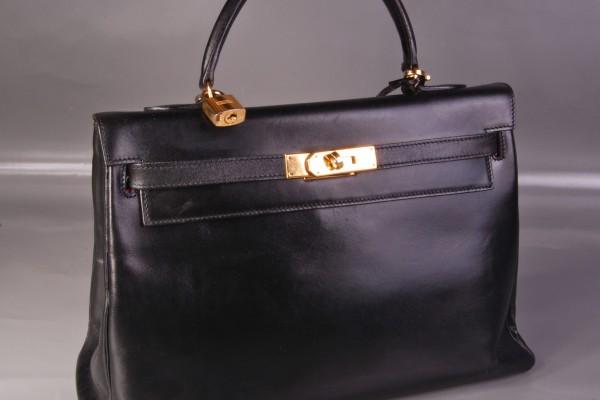 HERMES  sac Kelly en cuir box noir      33 cm