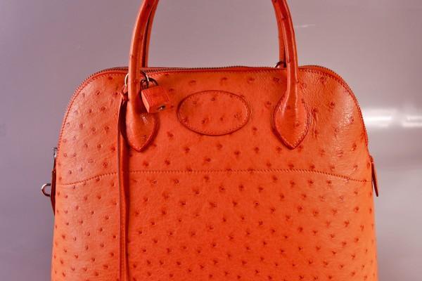 HERMES  sac bolide en, cuir d'autruche orange        35 cm