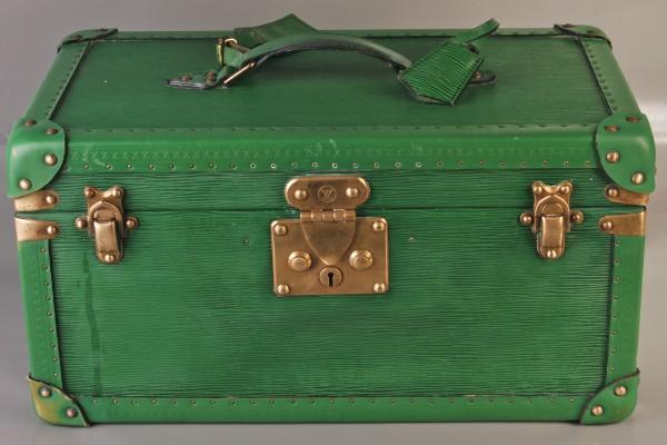 LOUIS VUITTON  Vanity case en cuir épi vert