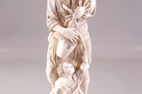 OKIMONO en ivoire sculpté  JAPON