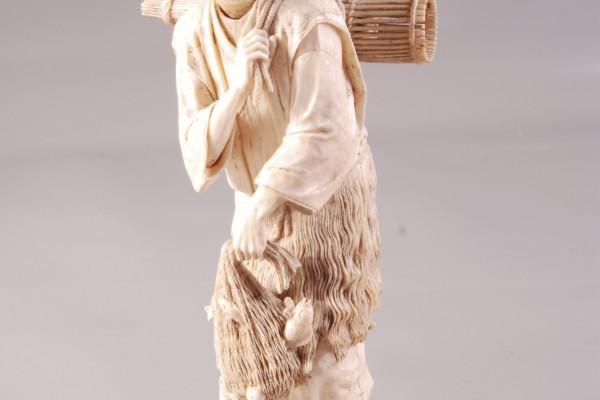 OKIMONO en ivoire sculpté  Pêcheur  JAPON Meidji