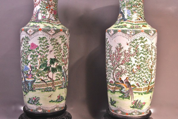 Paire de grands vases en porcelaine  CHINE    Dynastie Qing