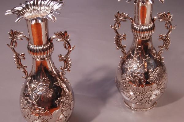 Paire de vases en argent   CHINE          XX° siècle