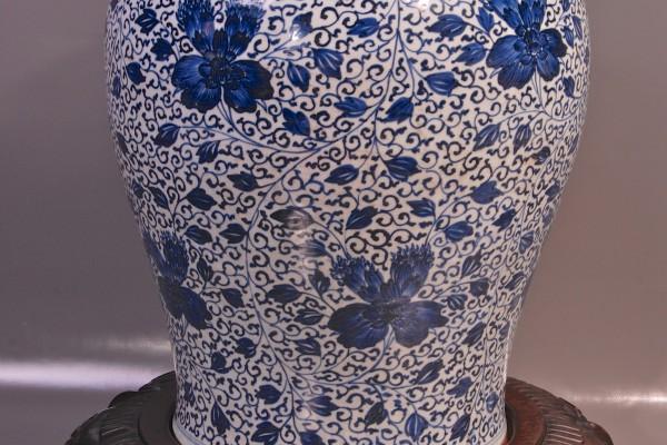 Potiche en porcelaine blanc bleu CHINE Dynastie Qing