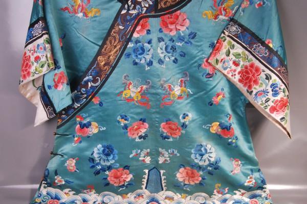 Robe en soie brodée CHINE