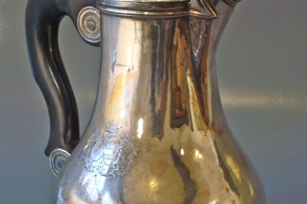 Verseuse à fond plat en argent massif XVIII° siècle