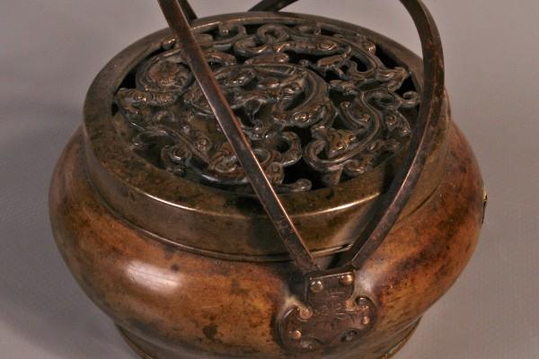 Brûle parfum couvert       Bronze patiné    CHINE     Dynastie Qing