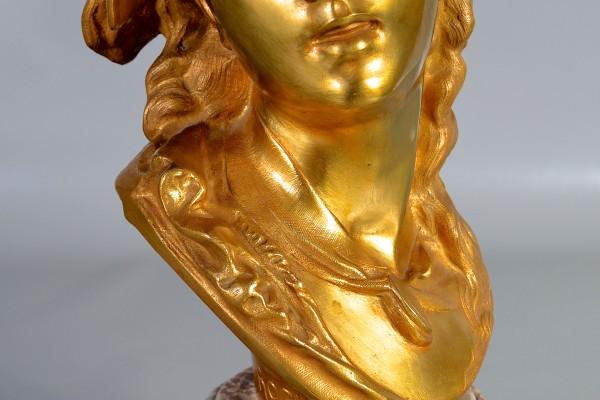 D'après Rodin Buste de jeune fille en bronze doré
