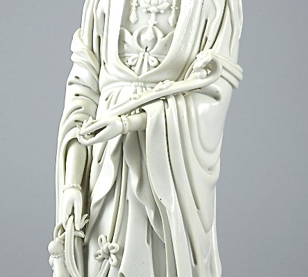 Guanyin en porcelaine blanche     CHINE     Dynastie Qing