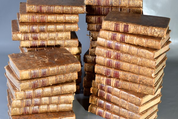 Oeuvres complètes de Voltaire  1775            40 volumes