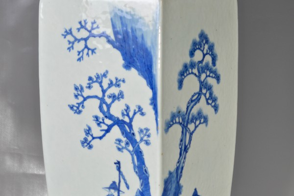 Vase en porcelaine blanc bleu   Chine dynastie Qing