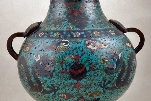Vase en bronze Ming