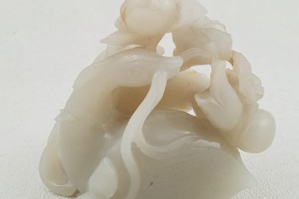 Canard en jade blanc